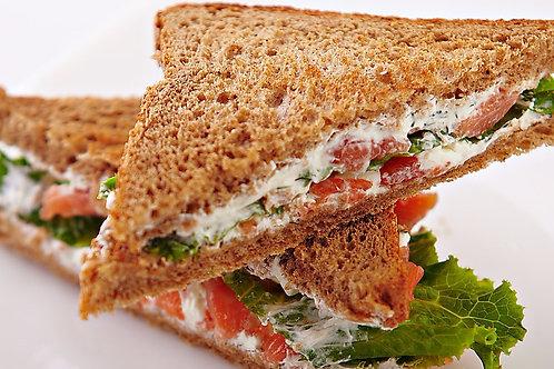 Мини сендвич с лососем 40 гр