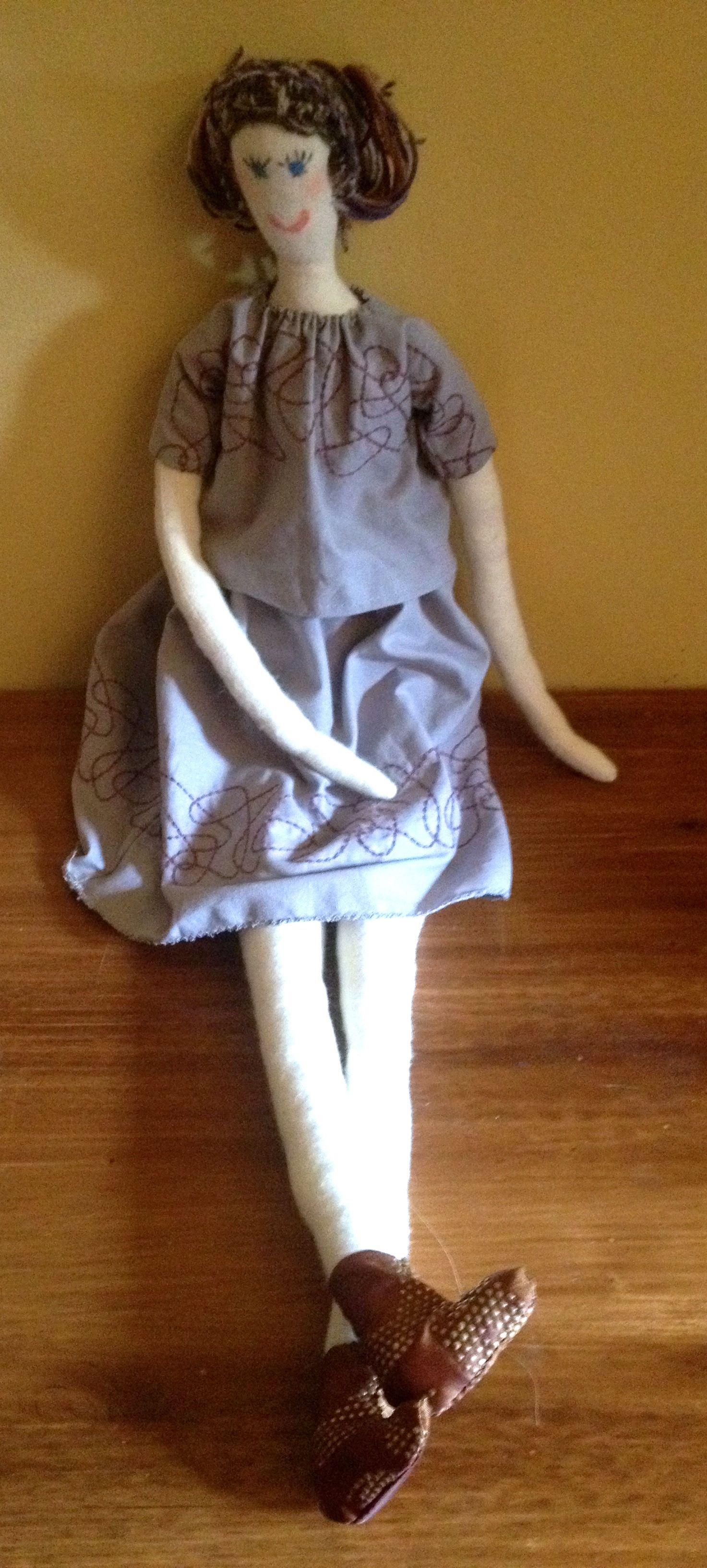 Violette, toute de parme vêtue