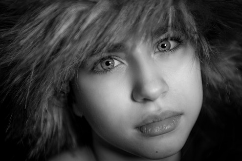 IZZY CLOSE UP IN MONO by 51.jpg