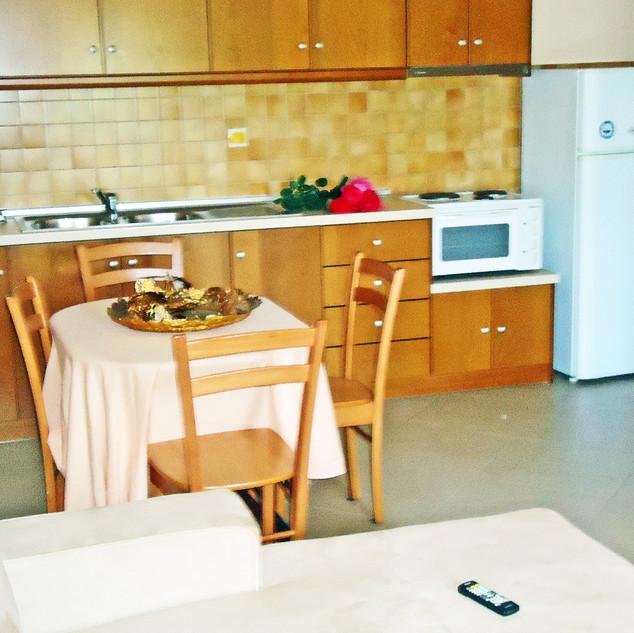 ZimmerL_Küche.jpg