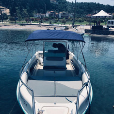 Schnelles Boot fahren