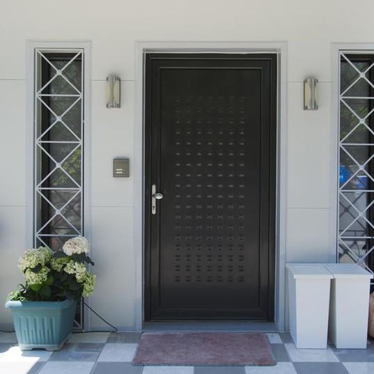 Eingangstüre zur Villa Nicola