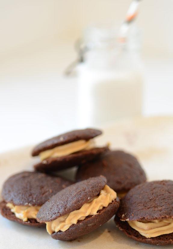 Chocolate-Peanut-Butter-Whoopie-Pies-3021.jpg
