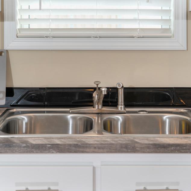 Alder 3258 03 kitchen sink.jpg