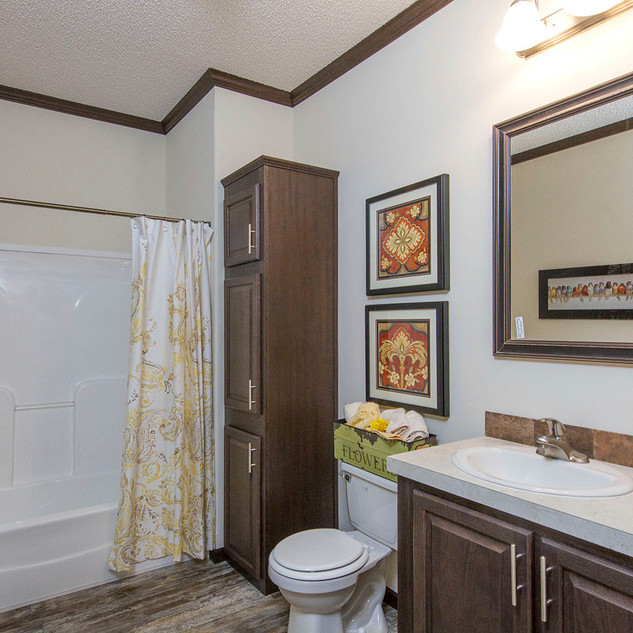 Riverside 3264-02 Bathroom.jpg