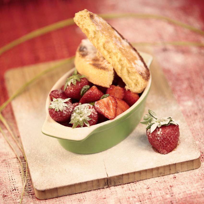 fraises et gateaux.jpg