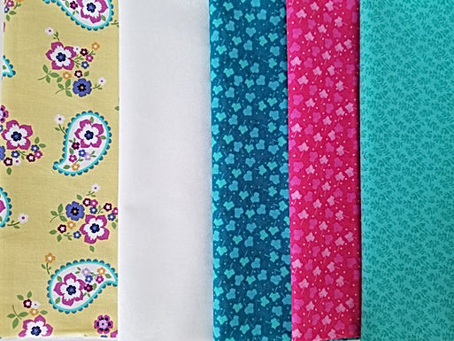 Yellow Paisley and Leaves Fat Quarter Bundle (five pieces)