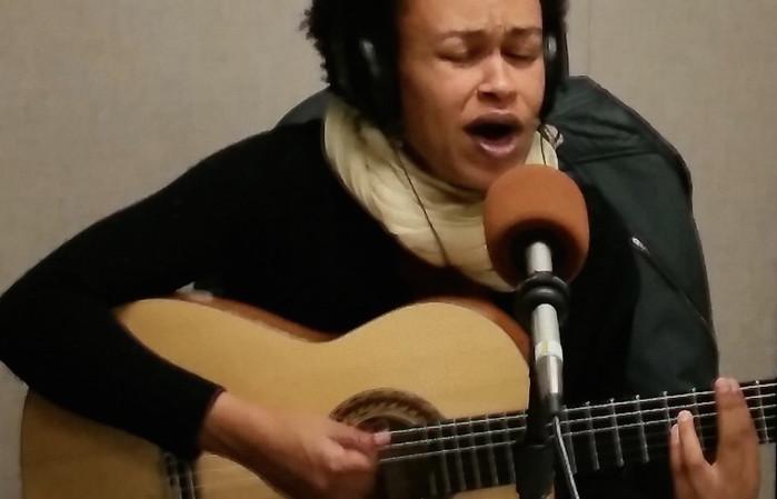 Ethio/American singer songwriter Meklit