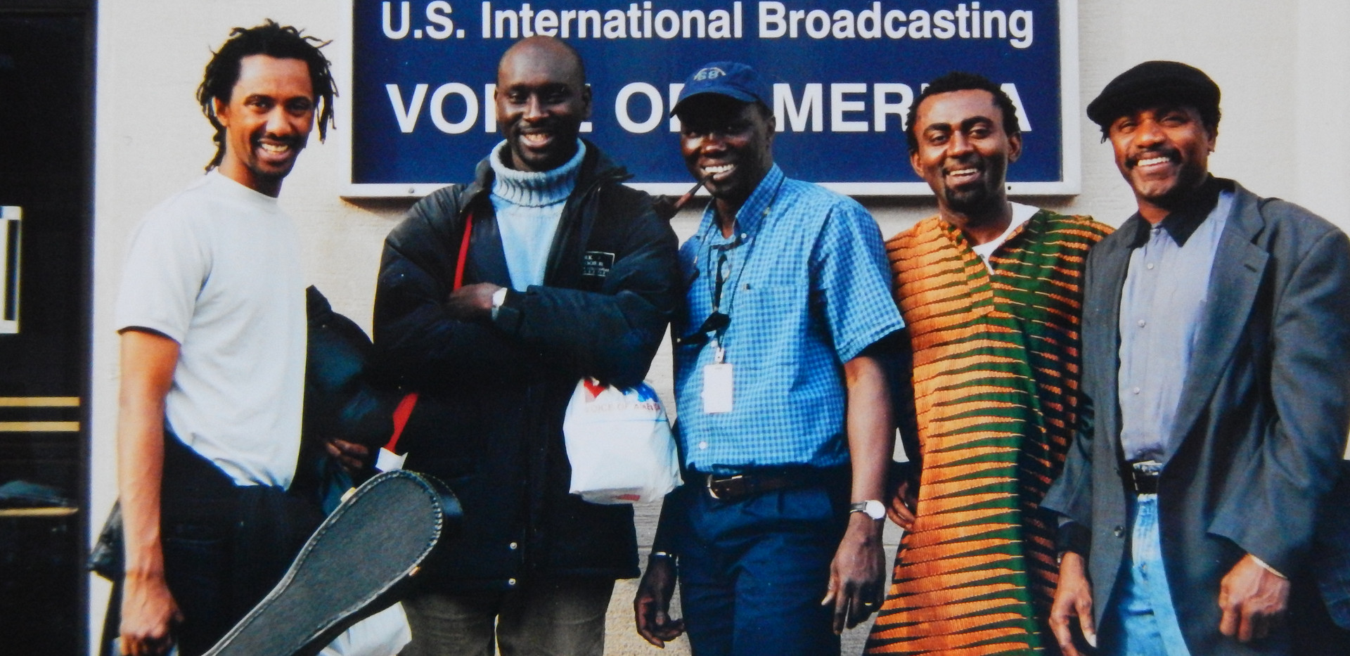 Guest of Voice of America in Washington DC with the Senegalese duo Toure Toure and the hosts of the African news Eric Agnero