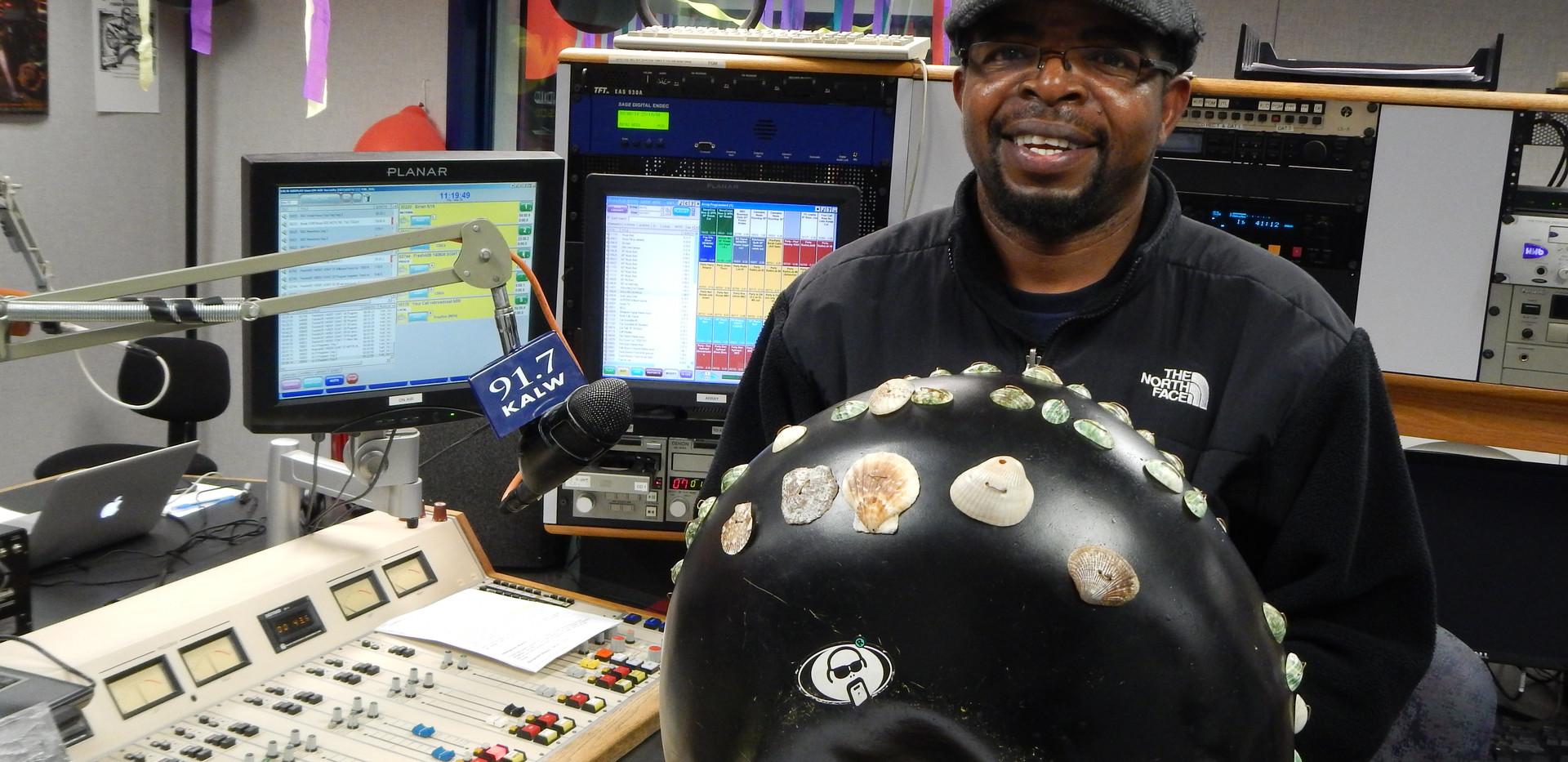 Zimbabwe master mbira player guest of KTO on Africamix
