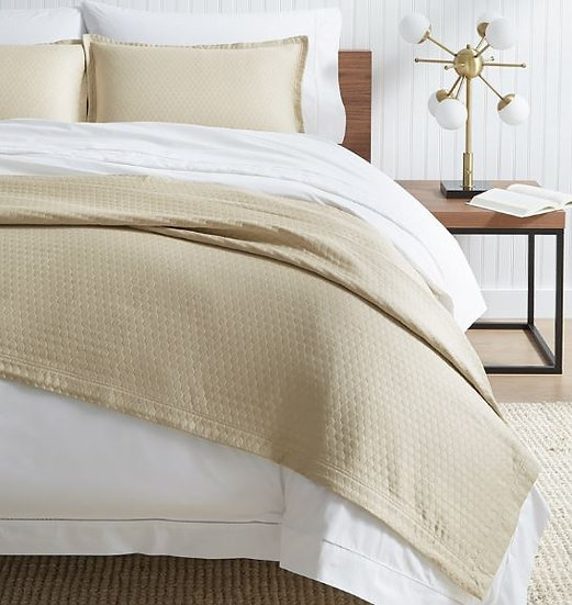Favo luxury coverlet and pillow shams bedding set
