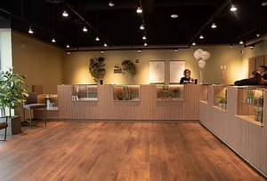 photo of lobby of Newark dispensary, Herbology.