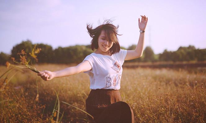 Be A Happy Single - Enjoy Your Wonderful Free Life