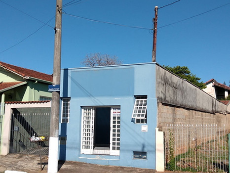 1 Sala com banheiro. Av. Getúlio Vargas, n.º 129 - R$ 700,00