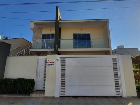 Casa à Venda - Bairro Boa Vista - R$595.000,00