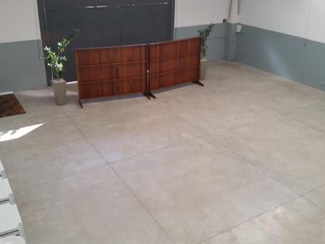 Aluguel de barracão - Rua Alfredo Ceragioli - R$2.300,00 + iptu