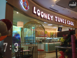 Looney Tunes Cool, E-Curve