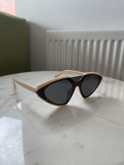 Black beige half sunglasses