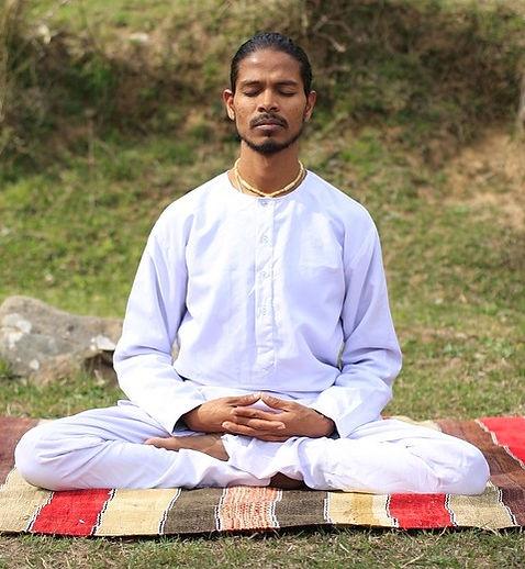 yoga-2232807_960_720.jpg