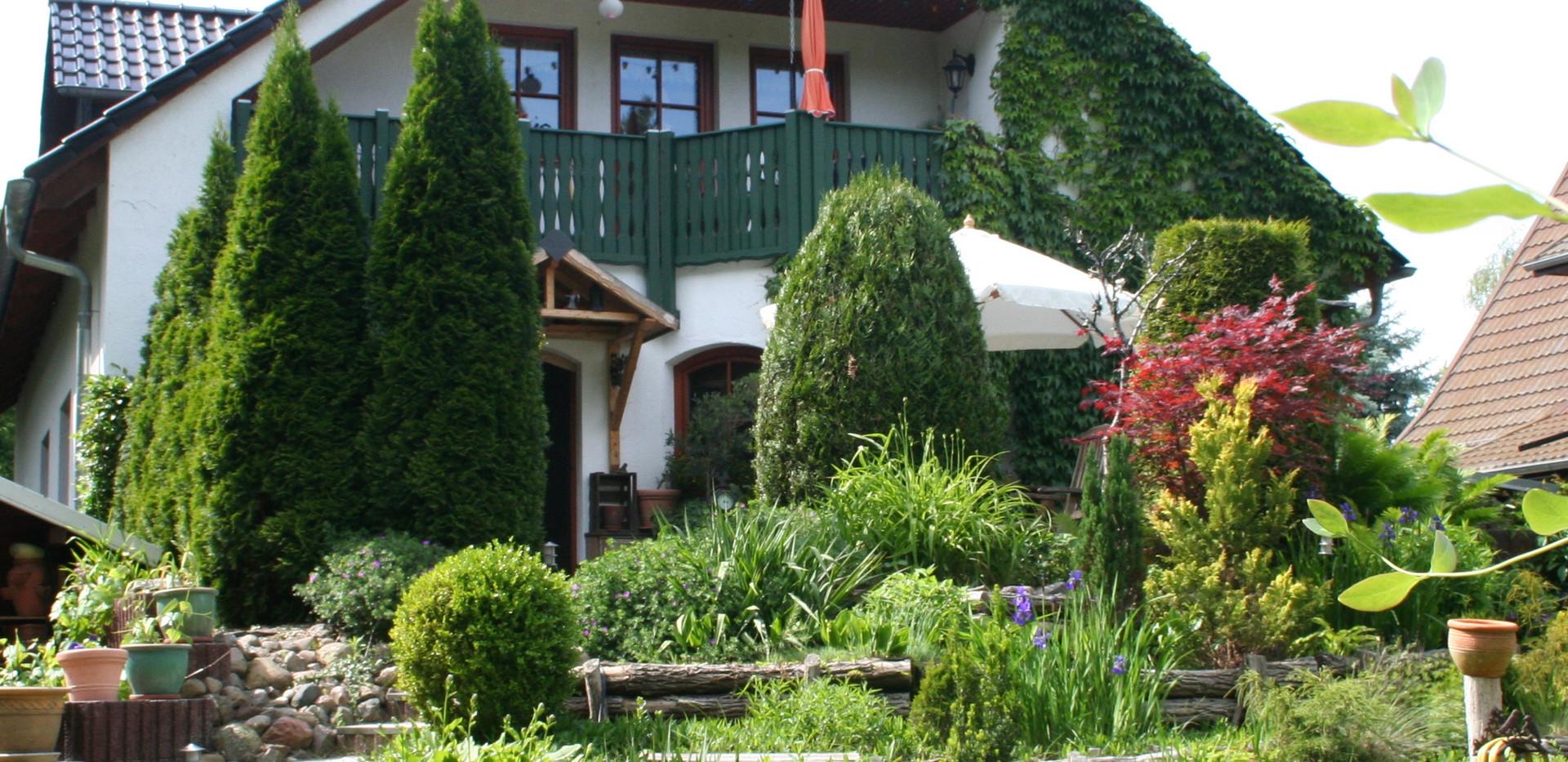 Forsthaus Fichtenau-Gartenansicht.JPG