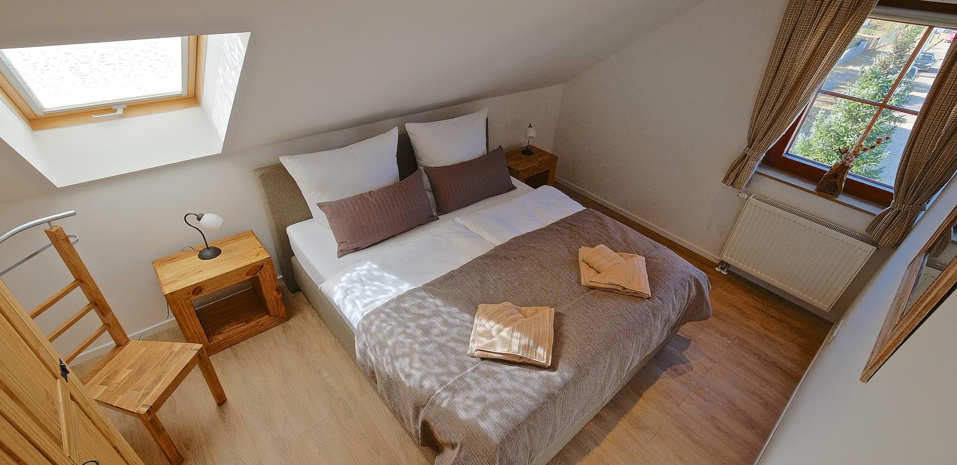 Schlafzimmer 2- DG.JPG