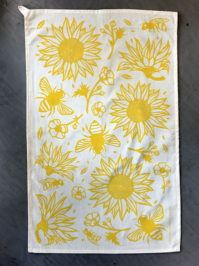 Botanical-garden-towel-bees.jpg