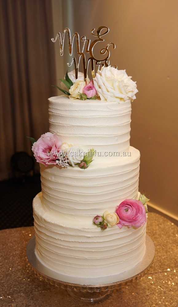 3 Tier textured buttercream Wedding Cake with Fresh Flowers 12.10.17 1