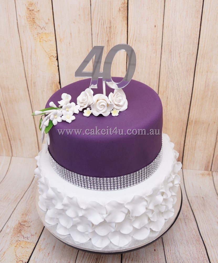 Purple and white ruffle fondant 2