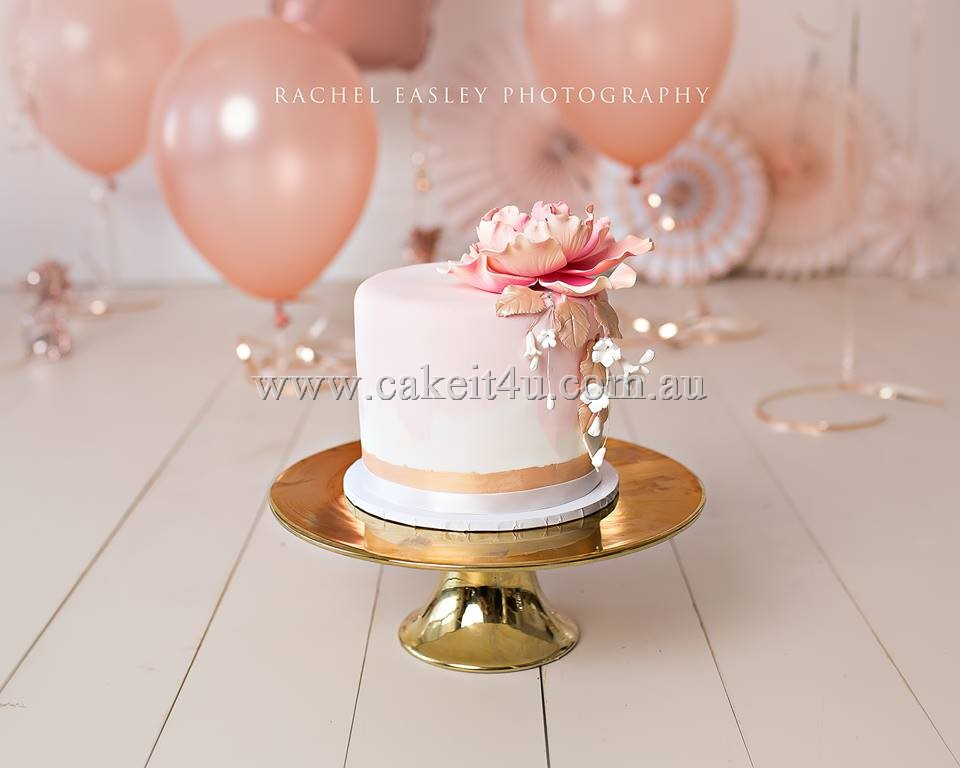 1 Tier pink with peony