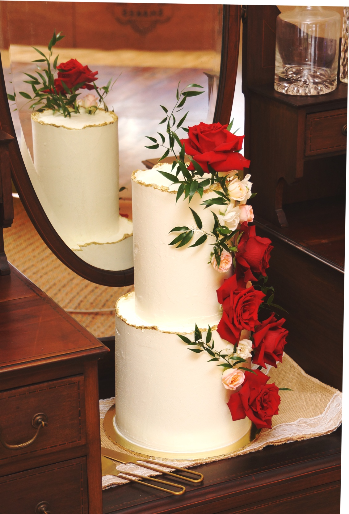 2 Tier Extra tall smooth buttercream wit