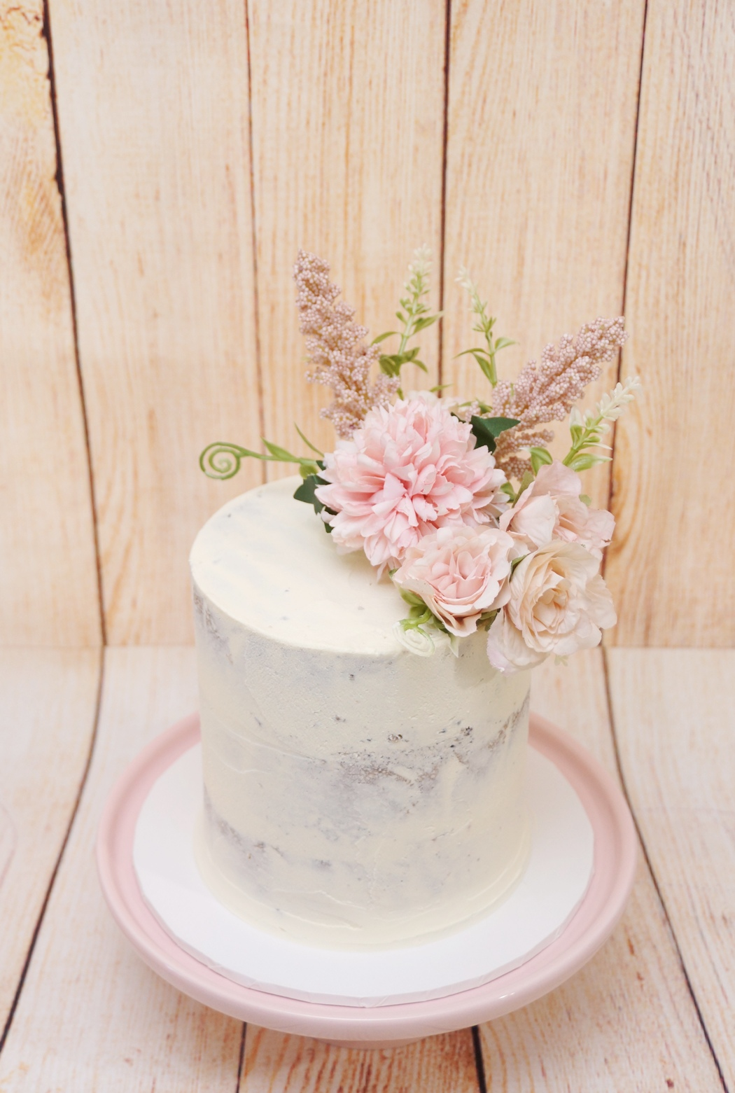 1 Tier Semi Naked with silk flowers 23