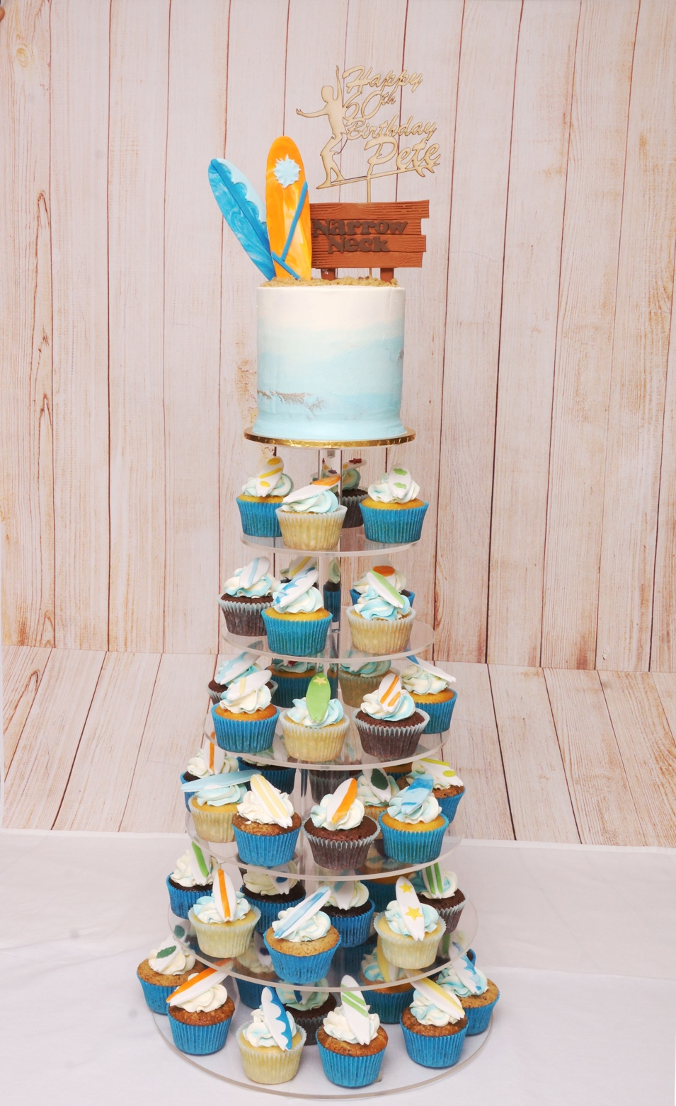 Surf Board Cake and Cupcakes 2