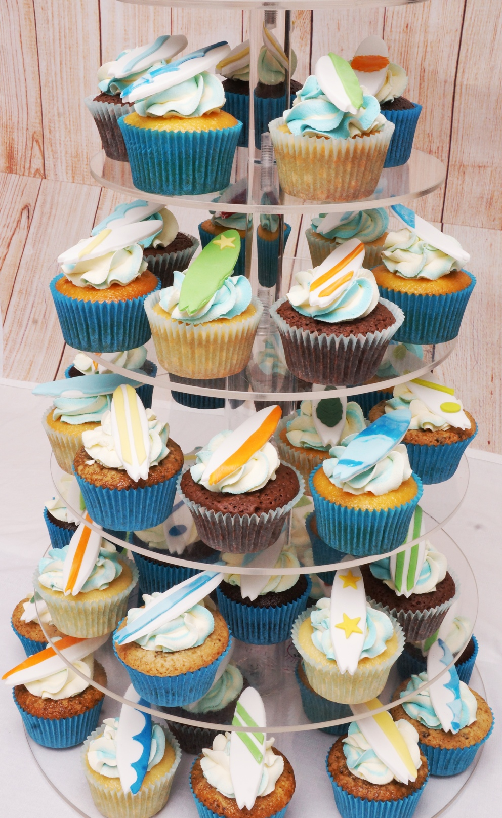 Surf Board Cake and Cupcakes 3