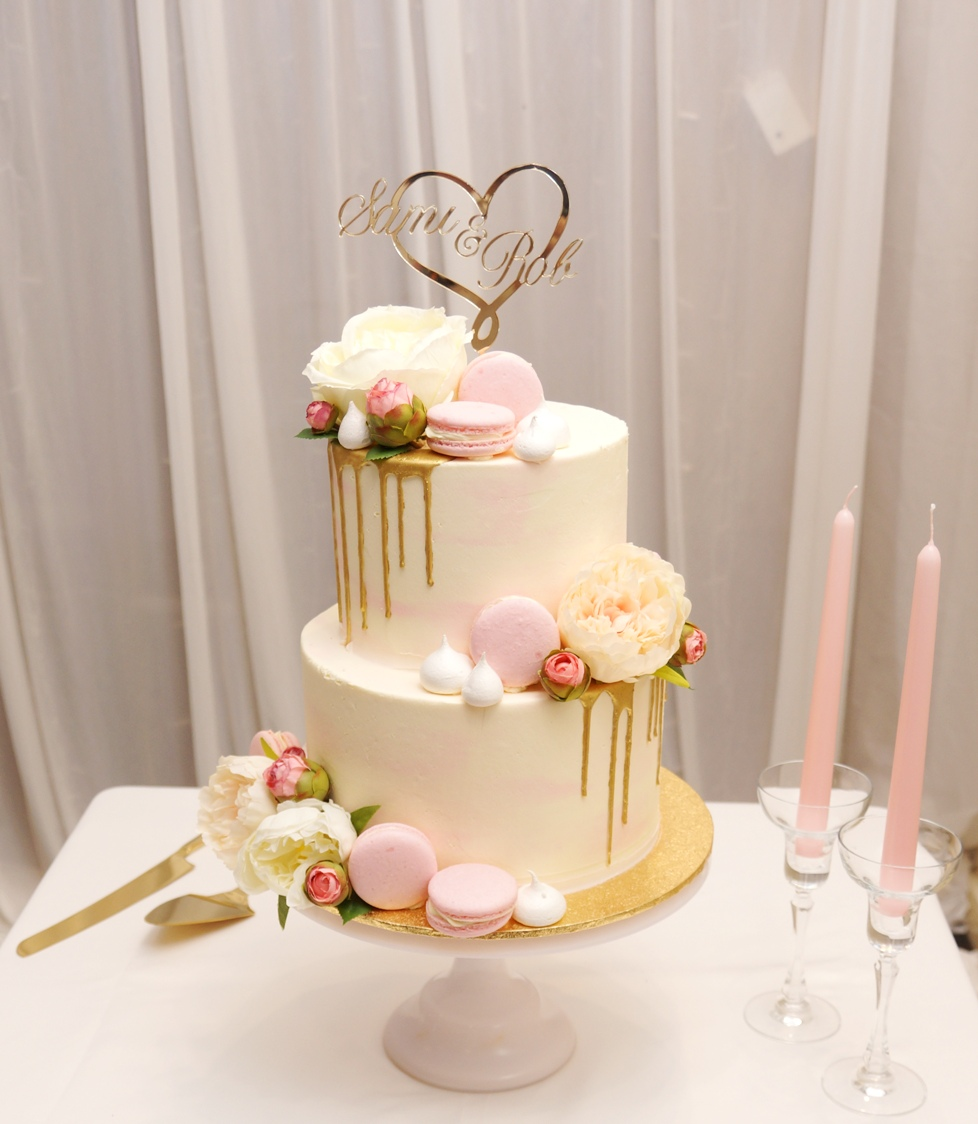 Pink & white buttercream with gold drip