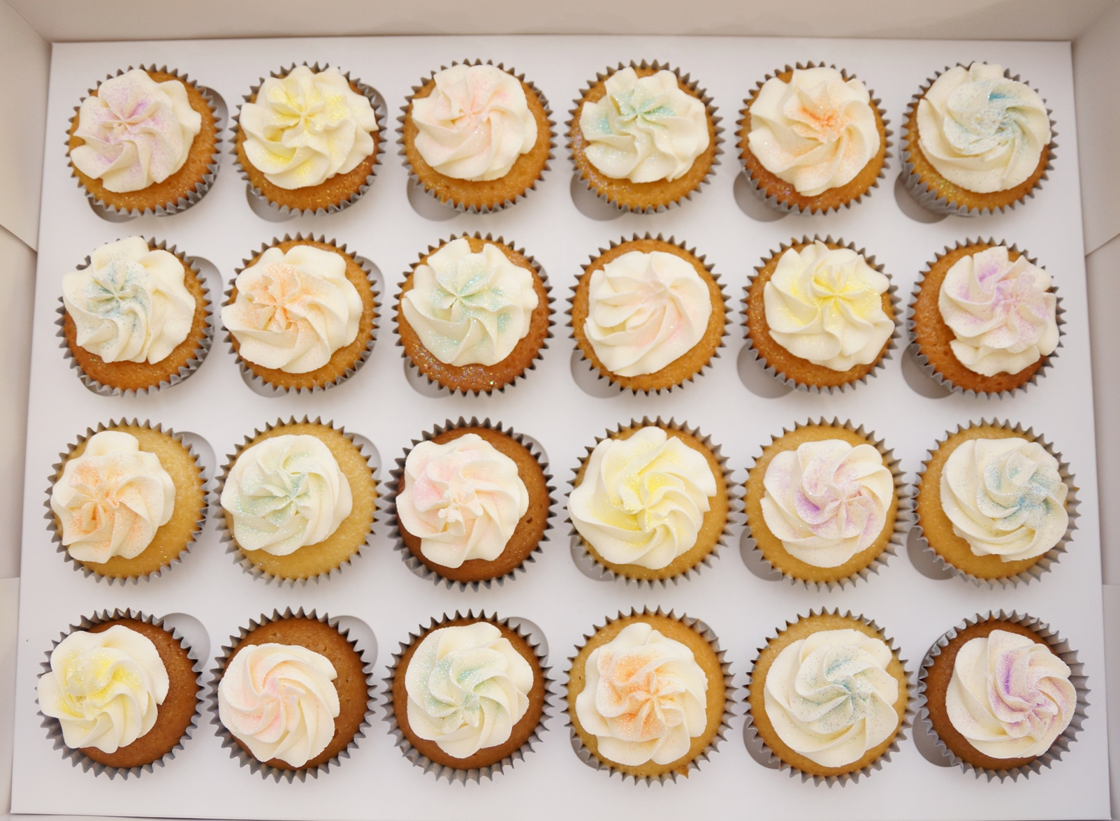Cupcakes with pastel glitter