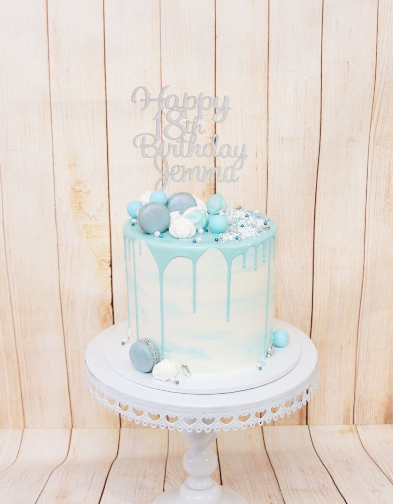 Blue and White ombre buttercream with ma