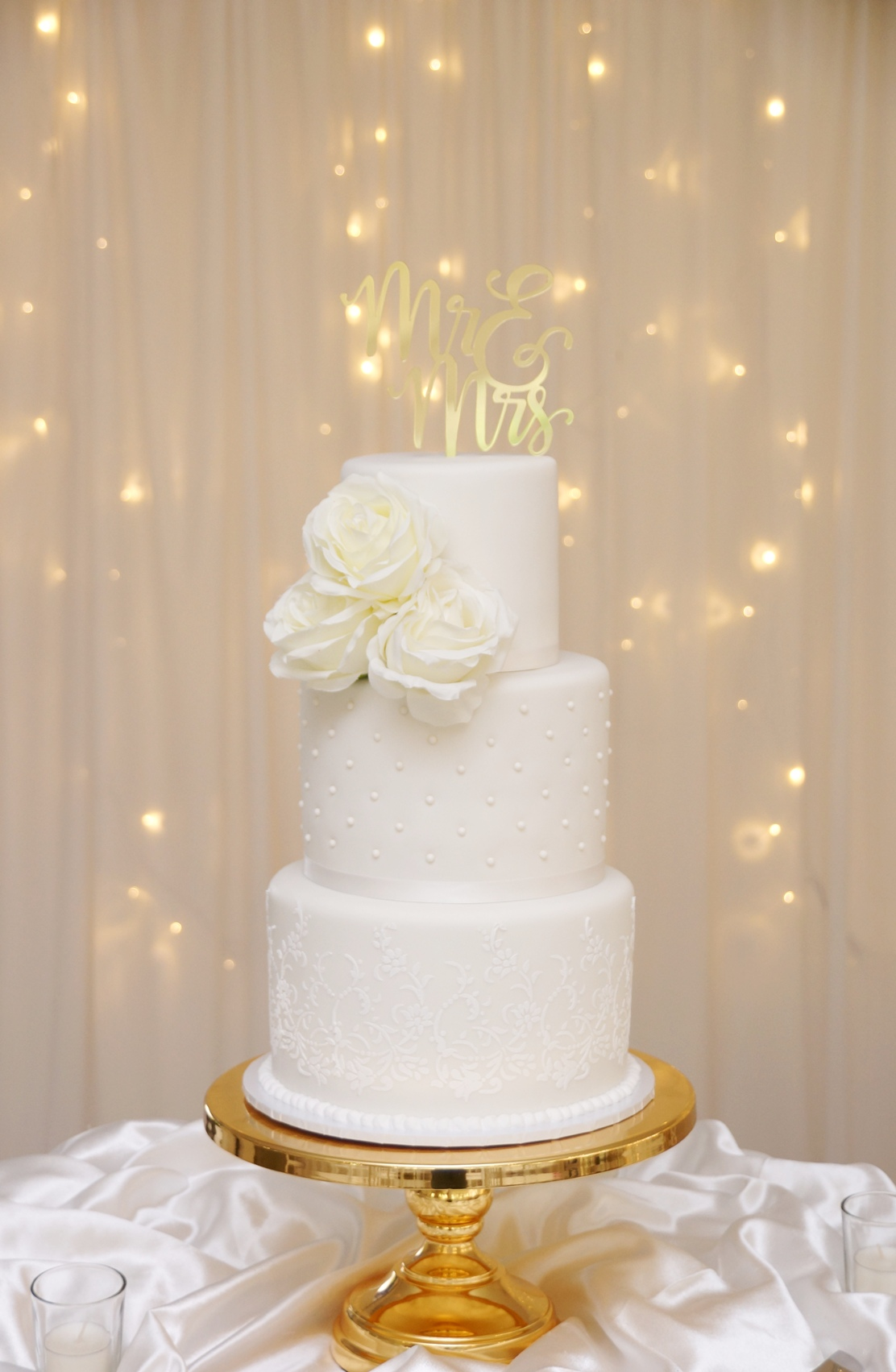 White fondant with white royal icing lac