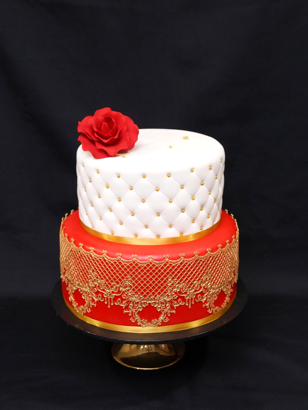 2 Tier Red & White with Gold 2