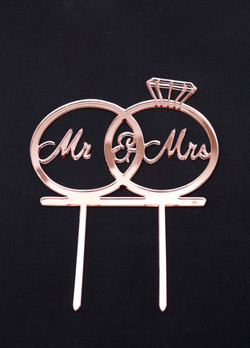 Rose Gold Mirror Mr & Mrs in rings