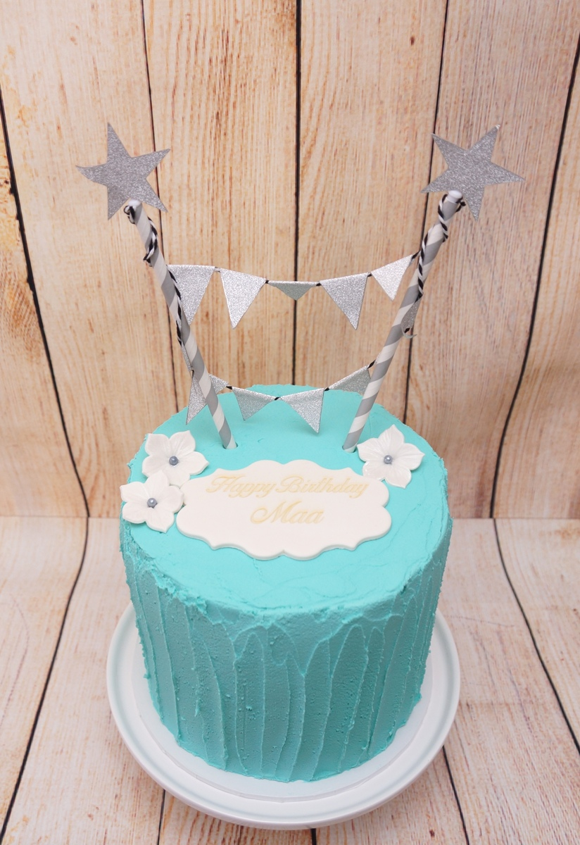 Aqua Buttercream with Bunting Topper 1