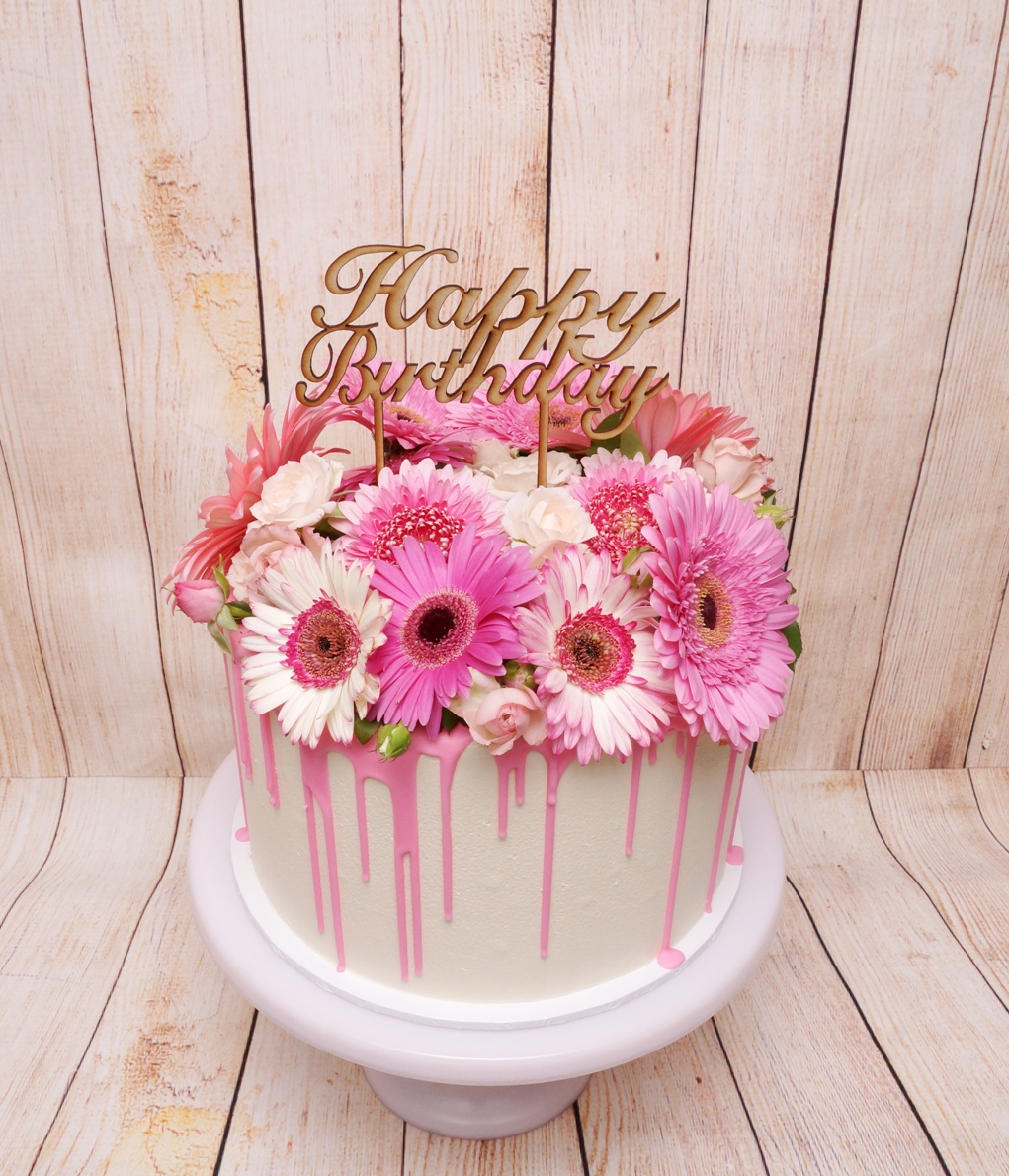 1 Tier buttercream with Pink Chocolate D