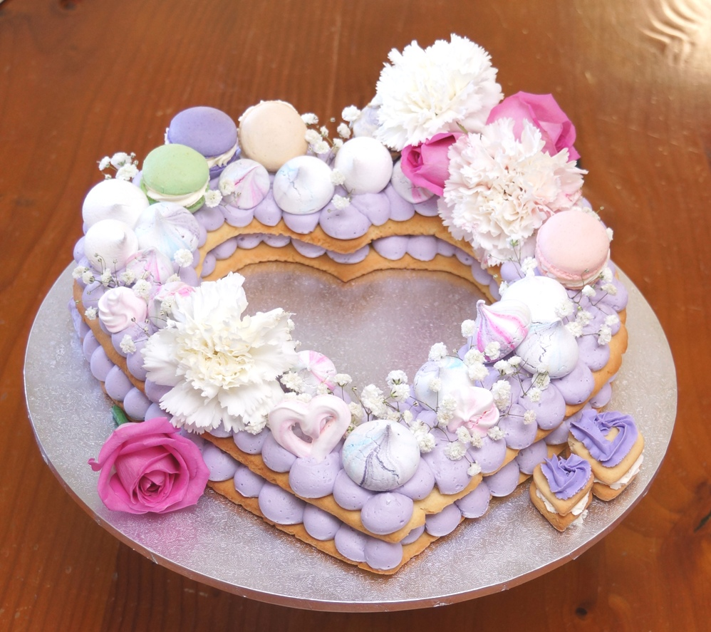 Heart Mothers Day Cake 2