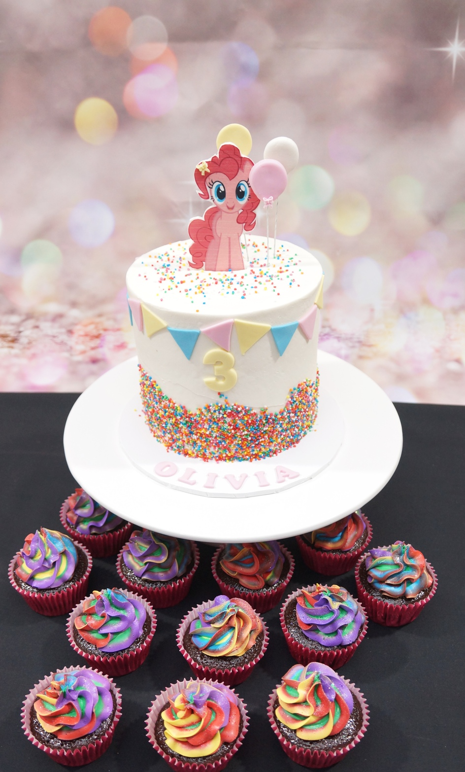 My Little Pony Cake with rainbow cupcake