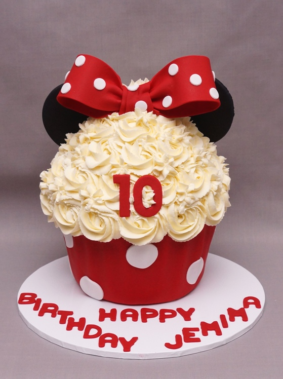 Minnie Mouse Giant Cupcakes