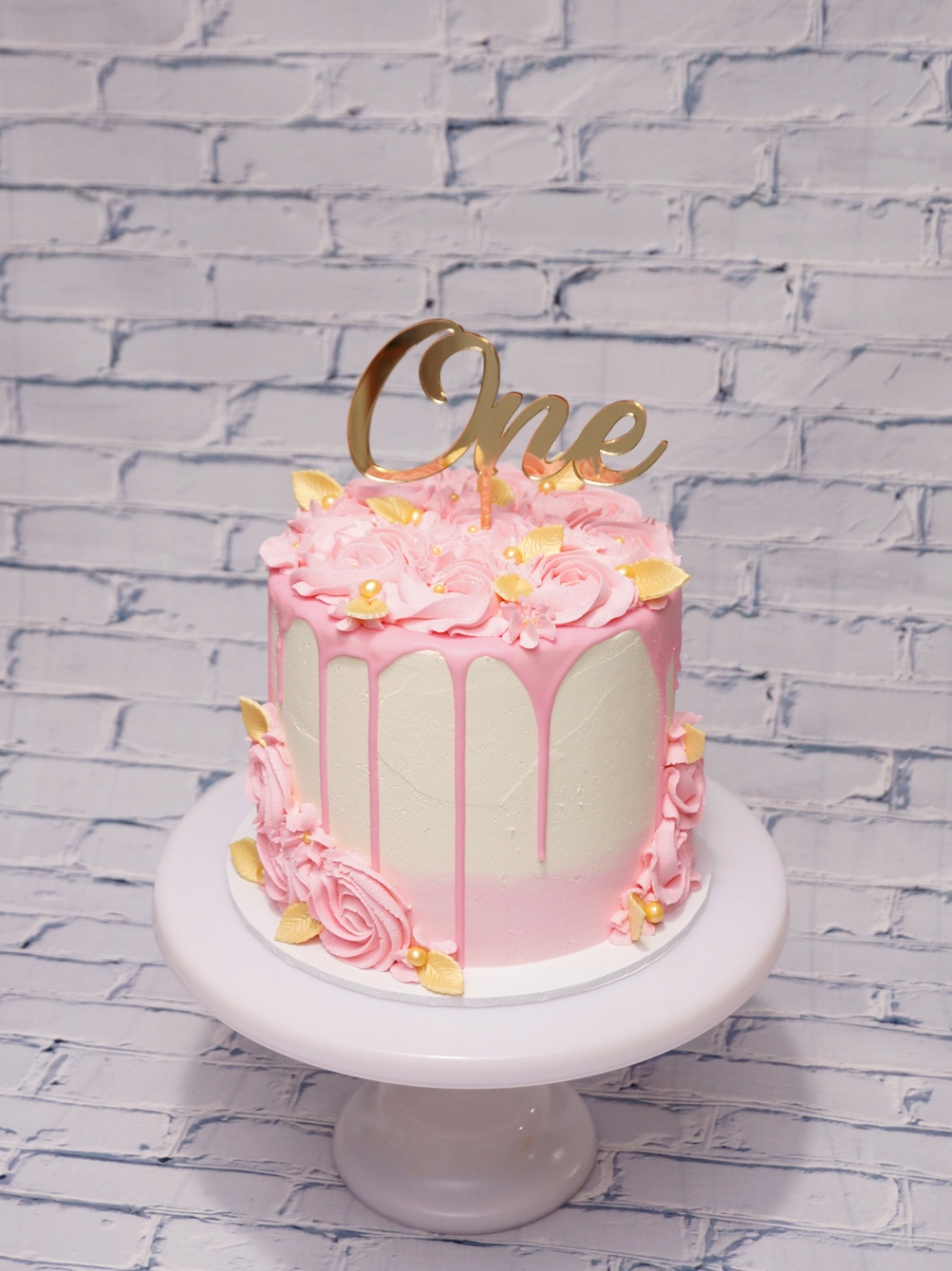 White & Pink buttercream with pink butte