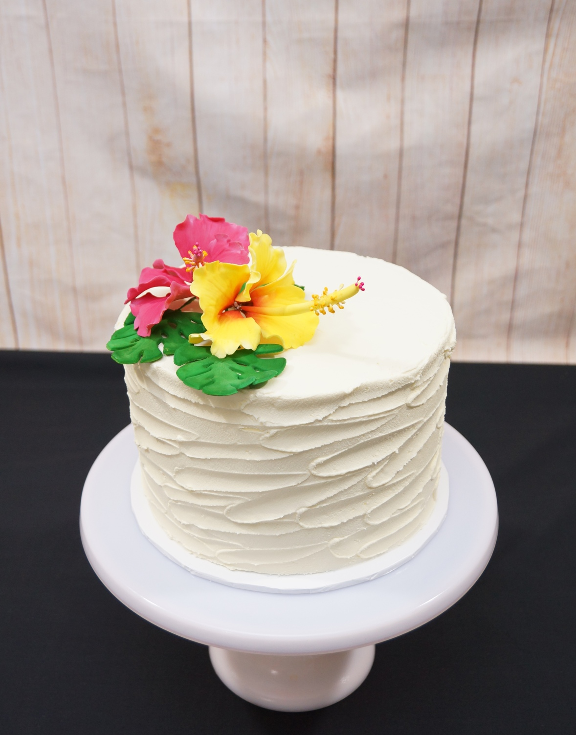 1 Tier rustic buttercream with sugar hib