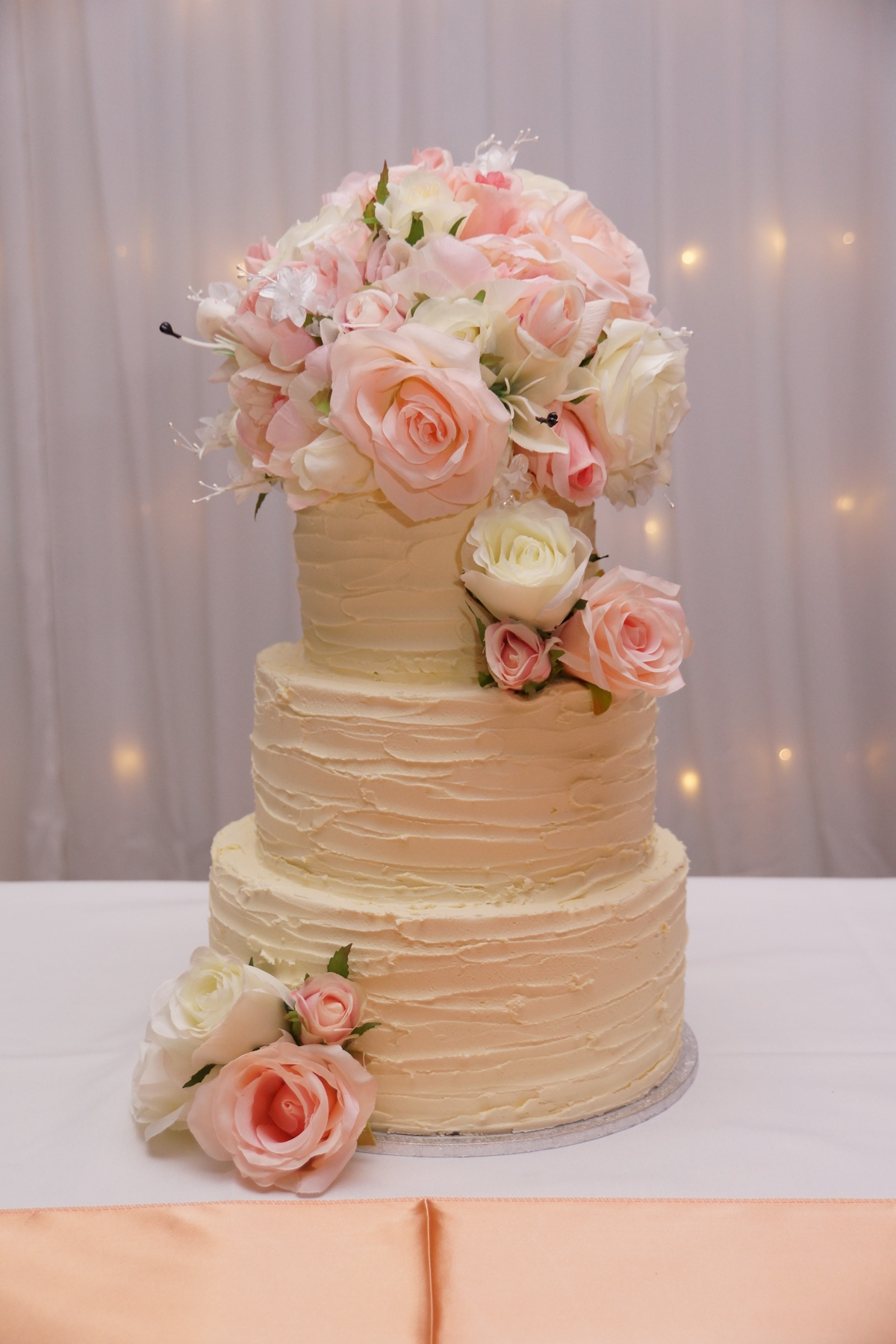 Rustic Buttercream with silk roses 1