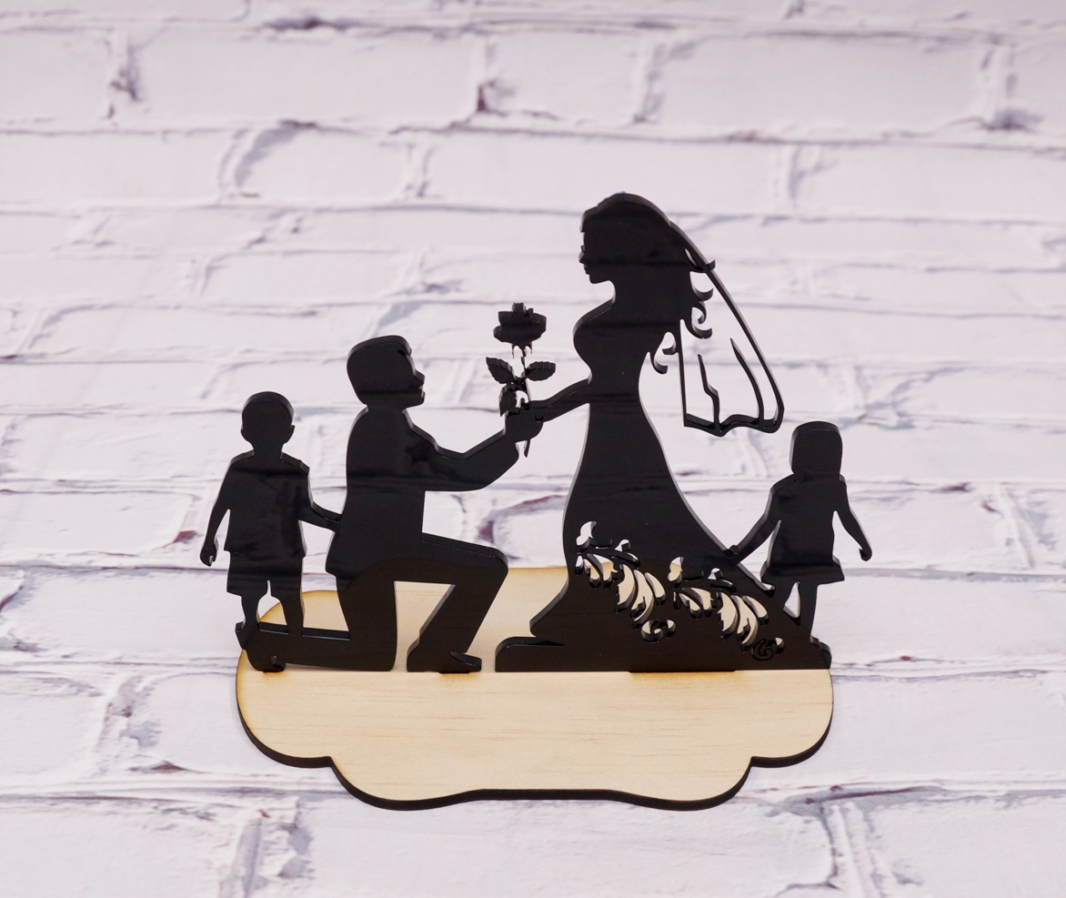 2 Tone Couple with kids cake topper stan