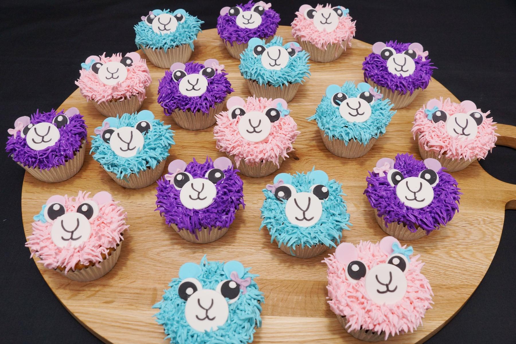 Llama Cupcakes 2