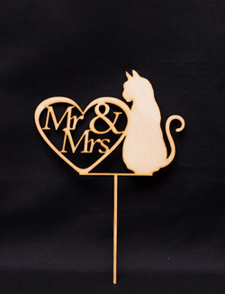 Mr & Mrs in heart with cat (Wood)